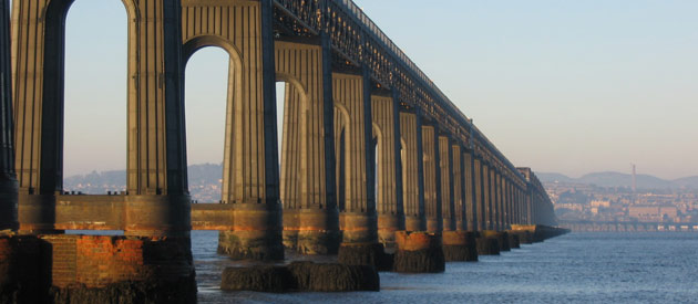 Dundee​​​​ is located in the Highland region of Scotland, United Kingdom, and is famous for journalism, jam and jute mills.