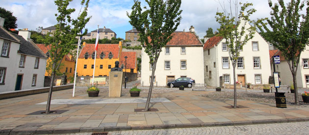 Culross​​ is located in the Lowlands region of Scotland, United Kingdom, and is a beautifully preserved 16th and 17th century village.